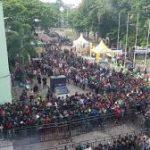 Bonek Rela Antri Sejak Subuh, Saksikan Laga Final Piala Gubernur Jatim 2020